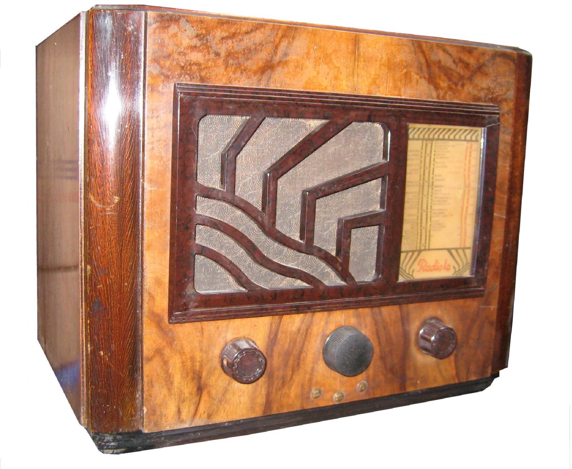 Radiola RA 563LU