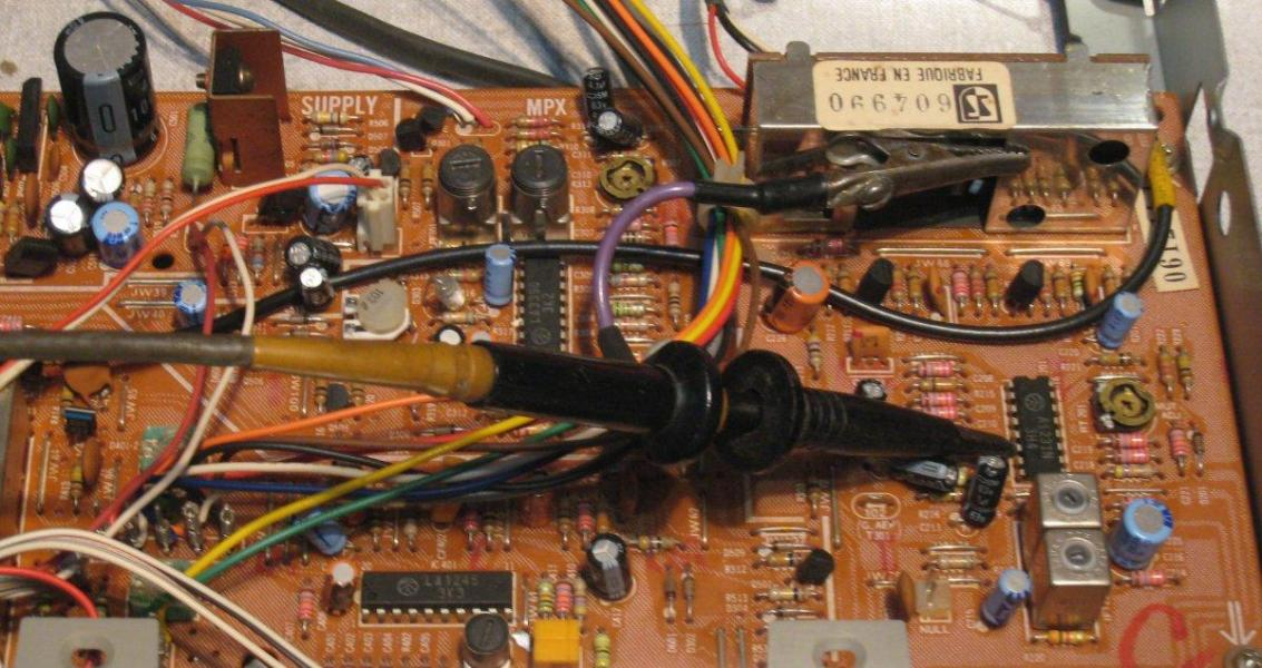 Figure 24 circuit imprime tuner sony